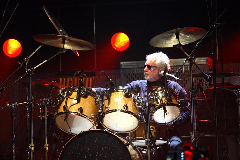 Queen Pr Tour 2008 Instruments Played By Queen Queenconcerts
