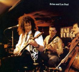 Concert photo: Brian May live at the Fat Tuesdays, New York, New York, USA (with Les Paul) [25.03.1991]