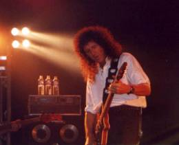 Concert photo: Brian May live at the Wembley Arena, London, UK (with Joe Satriani, Michael Schenker and Uli Jon Roth) [19.05.1998]