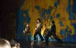 Guest appearance: Brian May live at the Teatro Calderón, Madrid, Spain (WWRY musical - press launch for the cast album)