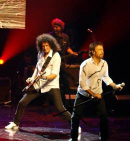 Concert photo: Queen + Paul Rodgers live at the Hackney Empire, London, UK (Hall Of Fame induction) [11.11.2004]