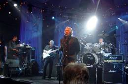 Guest appearance: Roger Taylor live at the Copenhagen, Denmark (Microsoft IT forum with SAS Band)