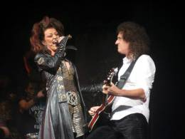 Concert photo: Brian May live at the Dominion Theatre, London, UK (WWRY musical) [07.10.2006]