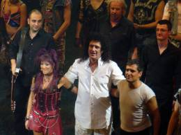 Concert photo: Brian May live at the Dominion Theatre, London, UK (WWRY musical) [10.01.2009]