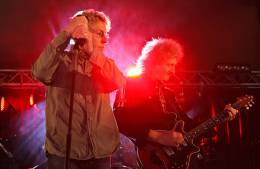 Guest appearance: Brian May + Roger Taylor live at the Roger's garden, Surrey, UK (Roger's wedding party)