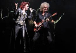 Concert photo: Brian May live at the His Majesty's Theatre, Aberdeen, UK (WWRY musical) [08.06.2011]