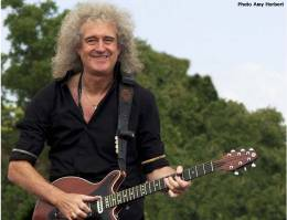 Concert photo: Brian May live at the Goodwood Estate, Goodwood, UK (Festival Of Speed) [03.07.2011]