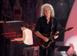 Concert photo: Brian May live at the Nokia Theatre, Los Angeles, California, USA (with Lady Gaga at MTV Music Video Awards) [28.08.2011]