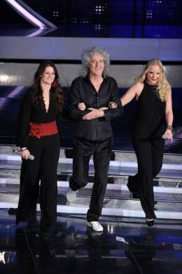 Concert photo: Brian May live at the Teatro Ariston, San Remo, Italy (Sanremo festival) [16.02.2012]
