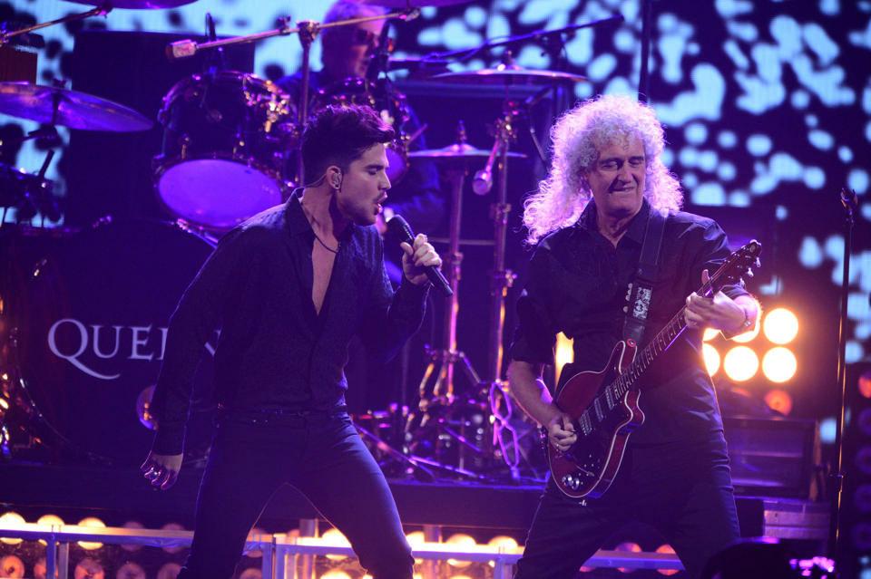Live photo: 20.09.2013 - Brian May + Roger Taylor live at the MGM
