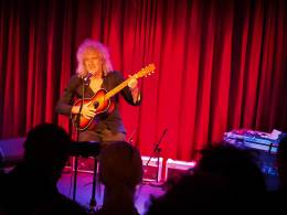 Concert photo: Brian May live at the Century Club, London, UK (Red Special book launch) [01.10.2014]