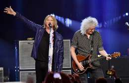 Guest appearance: Brian May live at the Barclays Center, New York, NY, USA (Rock and Roll Hall of Fame - with Def Leppard)