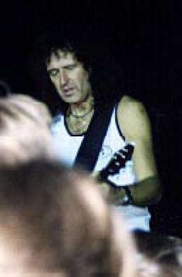 Concert photo: Brian May live at the Cirkus, Stockholm, Sweden [28.09.1998]