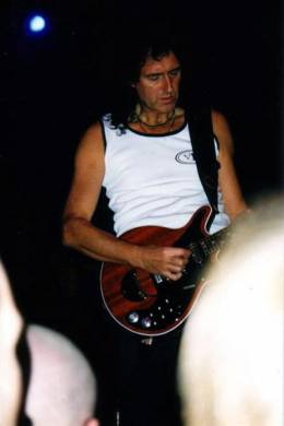 Concert photo: Brian May live at the National Indoor Arena, Birmingham, UK [28.10.1998]