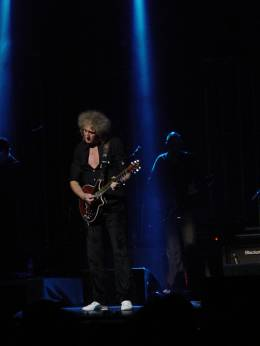 Concert photo: Brian May live at the Cliffs Pavillion, Southend, UK [19.05.2011]
