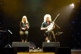 Concert photo: Brian May live at the Gong, Ostrava, Czech Republic [03.03.2016]