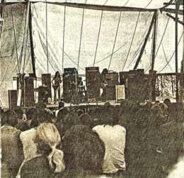 Concert photo: Queen live at the Tregye Country Club, Carnon Downs Festival, Truro, UK [21.08.1971]