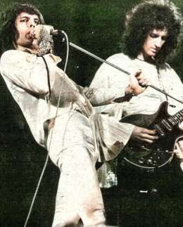 Concert photo: Queen live at the Empire Theatre, Liverpool, UK [01.11.1974]