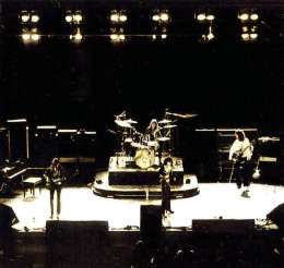 Concert photo: Queen live at the Congres Gebouw, Hague, The Netherlands [08.12.1974]