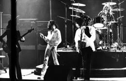 Concert photo: Queen live at the Theatre 140, Brussels, Belgium [10.12.1974]
