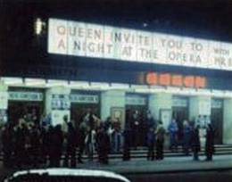 Concert photo: Queen live at the Hammersmith Odeon, London, UK [29.11.1975]