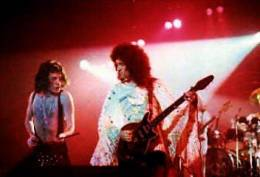 Concert photo: Queen live at the The Gardens, Louisville, KY, USA [21.01.1977]