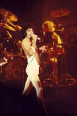 Concert photo: Queen live at the Sports Arena, San Diego, CA, USA [05.03.1977]
