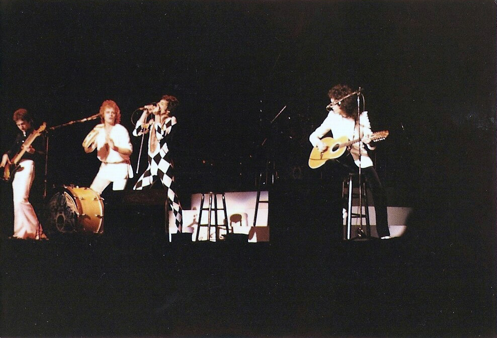 Queen Concerts Photo 01 12 1977 Queen Live At The