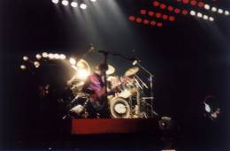 Concert photo: Queen live at the Westfallenhalle, Dortmund, Germany [21.01.1979]