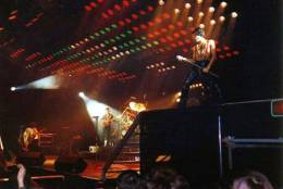 Concert photo: Queen live at the Sporthalle, Cologne, Germany [01.02.1979]