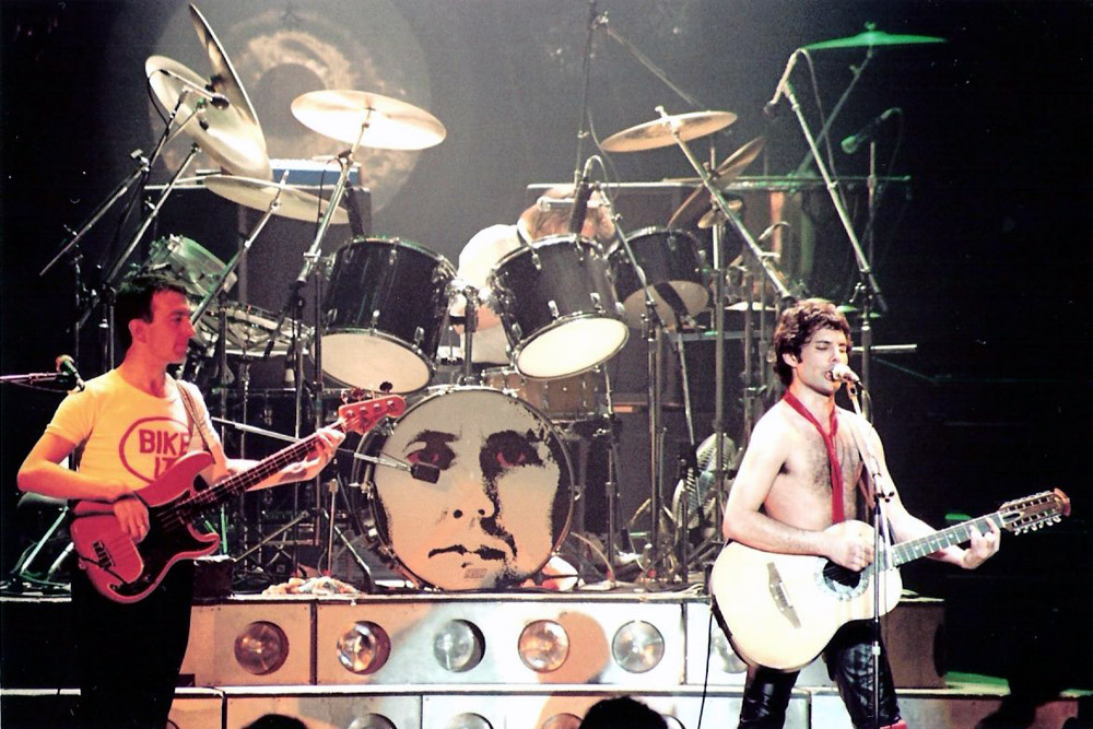 Photo: 06.12.1979 - Queen live at the Empire Theatre, Liverpool, UK