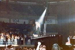 Concert photo: Queen live at the Reunion, Dallas, TX, USA [09.08.1980]