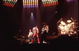 Concert photo: Queen live at the Rosemont Horizon, Rosemont, IL, USA [19.09.1980]