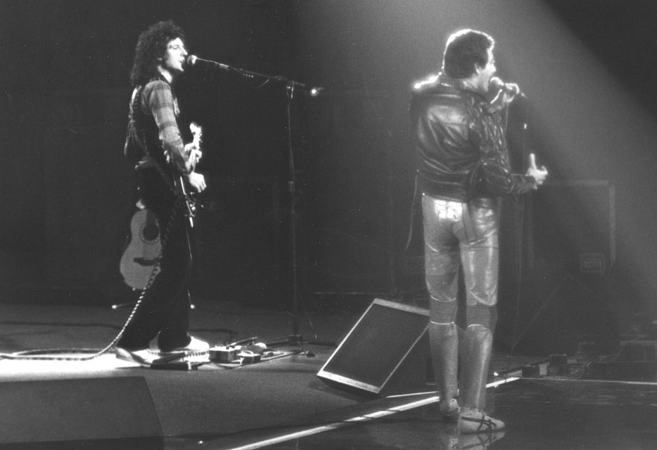 Photo: 24.09.1980 - Queen live at the War Memorial Auditorium, Syracuse, New York, USA