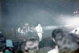 Concert photo: Queen live at the Wembley Arena, London, UK [07.09.1984]