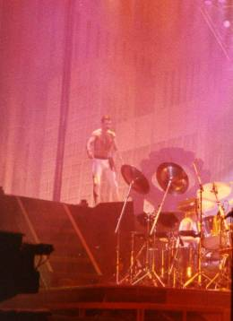 Concert photo: Queen live at the Sportspalace, Milan, Italy [14.09.1984]