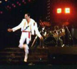 Concert photo: Queen live at the Mount Smart Stadium, Auckland, New Zealand [13.04.1985]