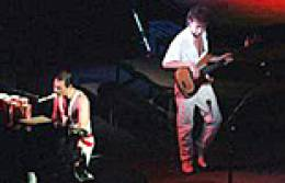 Concert photo: Queen live at the Sports & Entertainments Centre, Melbourne, Australia [16.04.1985]