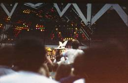 Concert photo: Queen live at the Müngersdorfer Stadion, Cologne, Germany [19.07.1986]