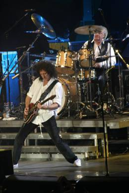 Concert photo: Queen + Paul Rodgers live at the Forum, Milan, Italy [05.04.2005]