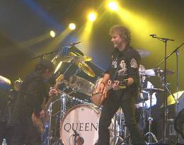Concert photo: Queen + Paul Rodgers live at the NEC Arena, Birmingham, UK [06.05.2005]