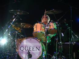 Concert photo: Queen + Paul Rodgers live at the International, Cardiff, UK [07.05.2005]