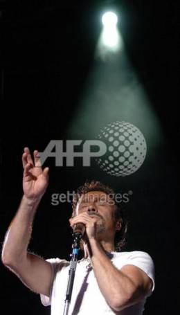 Concert photo: Queen + Paul Rodgers live at the Rhein-Energie Stadion, Cologne, Germany [06.07.2005]