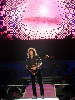 Concert photo: Queen + Paul Rodgers live at the Bercy, Paris, France [24.09.2008]
