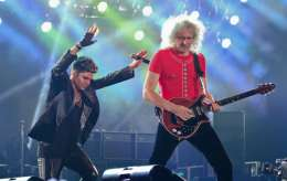 Concert photo: Queen + Adam Lambert live at the Olimpiyskiy Sports Complex, Moscow, Russia [03.07.2012]