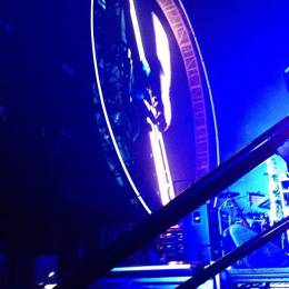 Concert photo: Queen + Adam Lambert live at the Scotiabank Saddledome, Calgary, Canada [26.06.2014]