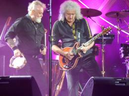 Concert photo: Queen + Adam Lambert live at the Estadio GEBA, Buenos Aires, Argentina [25.09.2015]