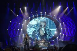 Concert photo: Queen + Adam Lambert live at the RheinEnergie Stadium, Cologne, Germany [27.05.2016]