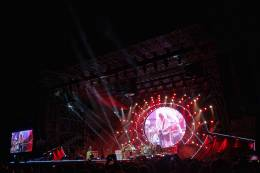 Concert photo: Queen + Adam Lambert live at the Anfiteatro Camerini, Piazzola sul Brenta, Italy [25.06.2016]