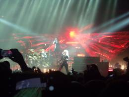 Concert photo: Queen + Adam Lambert live at the Unipol Arena, Bologna, Italy [10.11.2017]